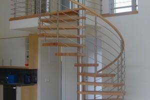 Spiraltrappa i ask med railingräcke i rostfritt /S6